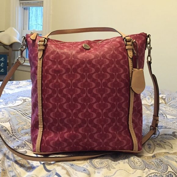 Large Coach tote bag It fits a laptop and multiple notebooks, perfect for a college student or young professional! Used once & bought new Coach Bags Totes