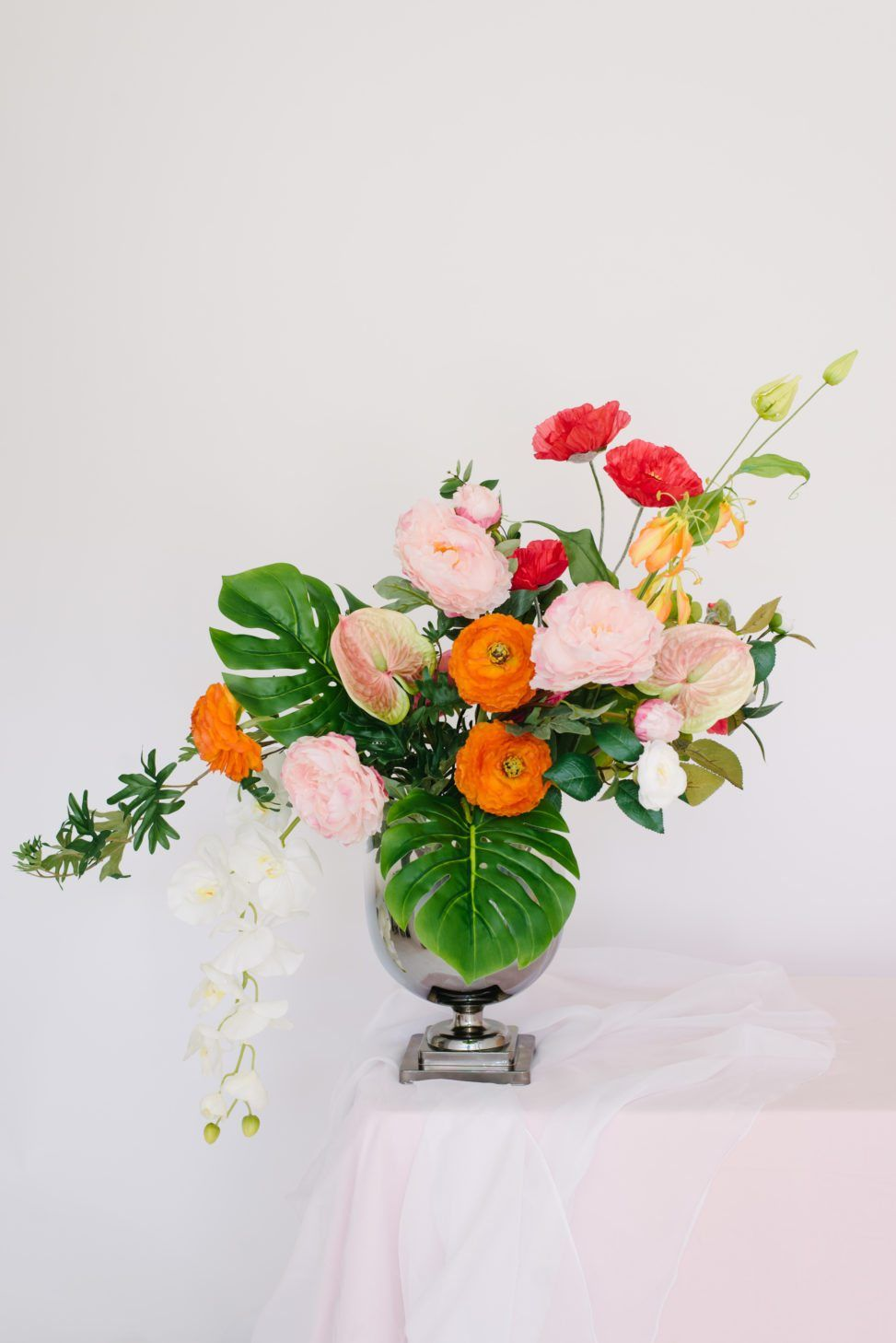 The Best Fake Flowers That Look Real | Orange flowers, Centerpieces ...
