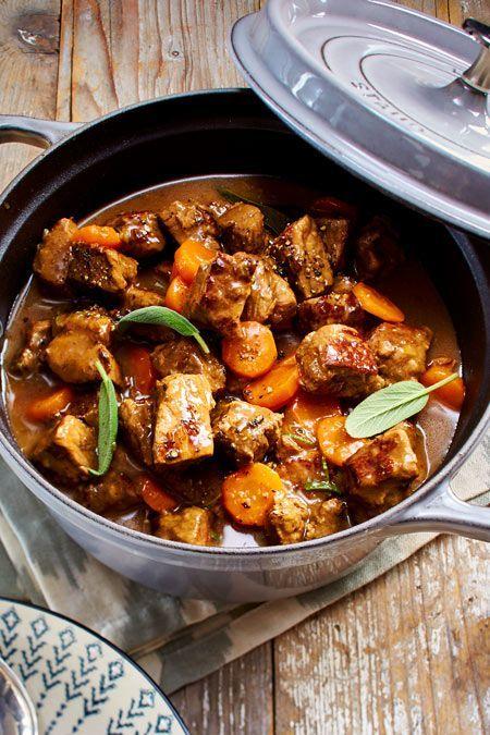 Rotweingulasch mit Möhren Rezept  | LECKER #gulaschrezept