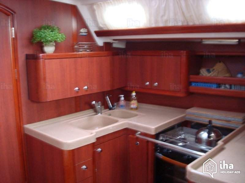 boat kitchen - Google Search (With images)   Kitchen ...