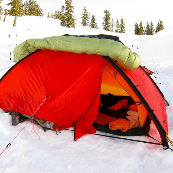 Photo of How can I stay warm winter camping?