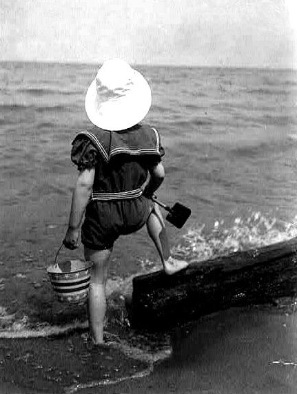 Retro Cute Girl in 1920s Bathing Suit Graphic! | 1920s
