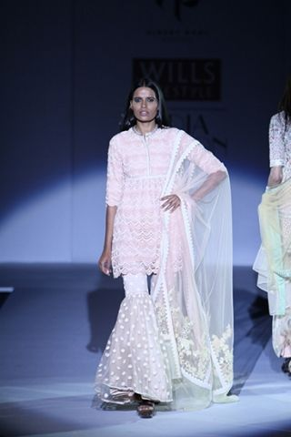 Vineet Bahl. WLFW S/S 15'. Indian Couture.