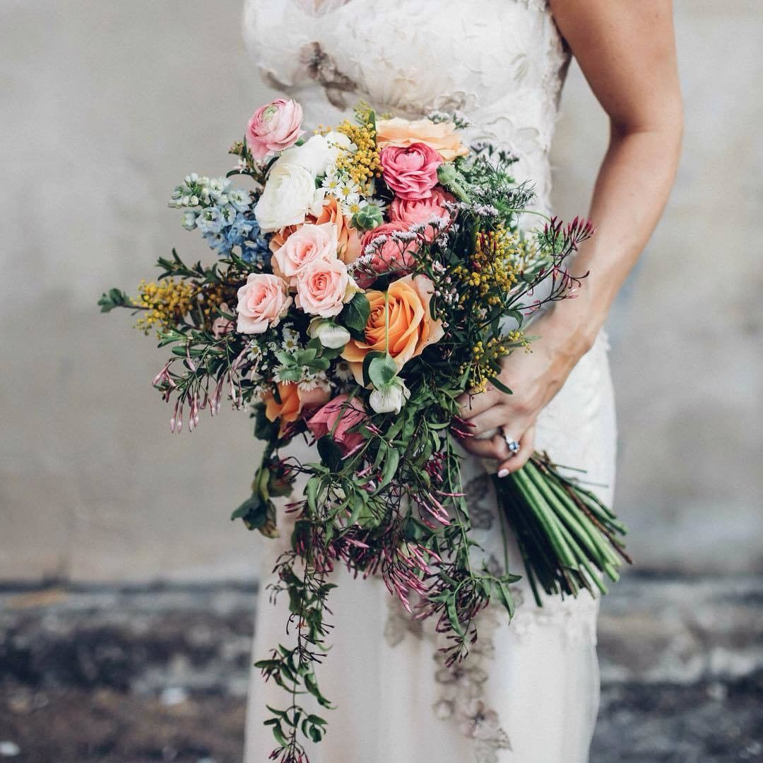 Variety of flowers and colors in this wedding bouquet from @jessmaugerfloraldesign captured by @white__ash 😍 ❤So beautiful...isn't it? --------------- #weddingforward #wedding2016 #weddings #weddingblog #weddinginspiration #gettingmarried #2016bride #romantic #engagement #bridetobe #brideandgroom #weddingplanners #weddingplanning #instawed #futuremrs #beautifulbride #weddingday #weddingdestination #romanticplace #weddingflowers #weddingdecoration #weddingdecor #weddingphoto #weddingparty…
