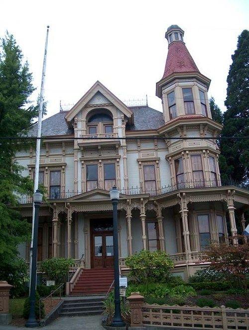 Victorian houses architectural pinterest haus for Viktorianisches haus