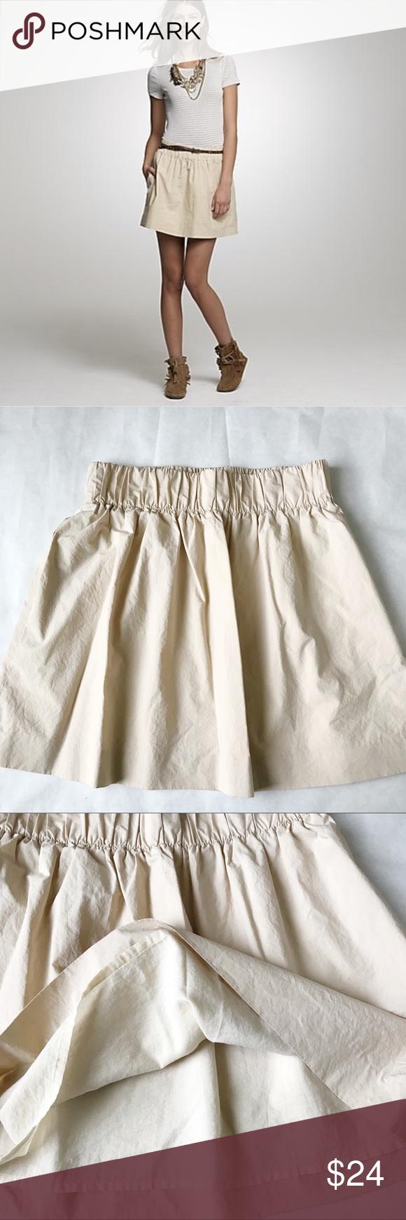 J Crew Poplin Wednesday Skirt J. Crew Poplin Wednesday Skirt  Size: 2 Color: Beige Fabric: 100% Cott...