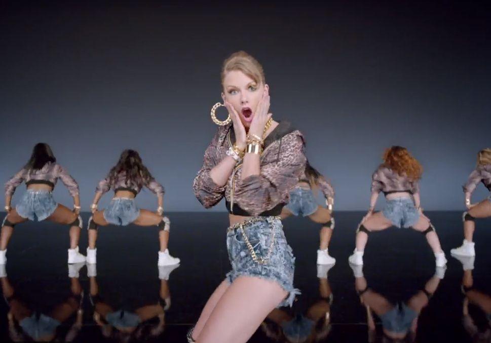 Dance Break Watch Taylor Swift Shake It Off In Her New Video Taylor Swift Music Videos Taylor Swift Music Taylor Swift