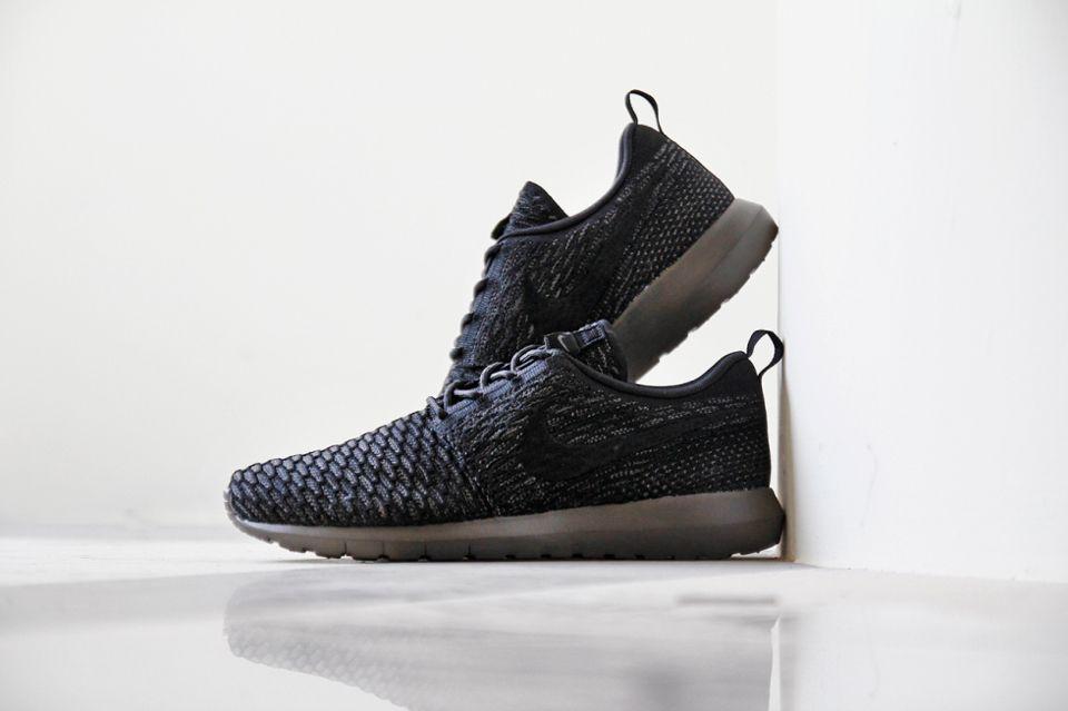 62d3231d71255 Nike Roshe Run Flyknit Charcoal