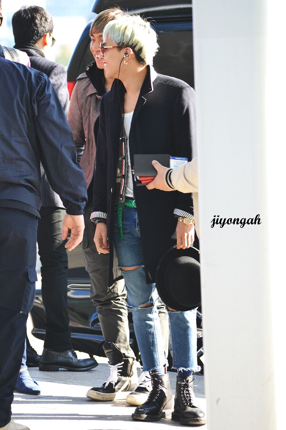 Icn This Is Combo Gd Thom Browne Coat X Thom Browne Cardigan