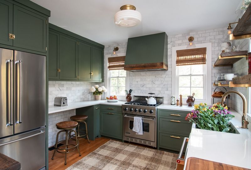 A 19th Century Woodstock Farmhouse Gets A New Life Thanks To This Local Designer Sherwin Willia Interior Design Kitchen Kitchen Interior Green Kitchen Cabinets