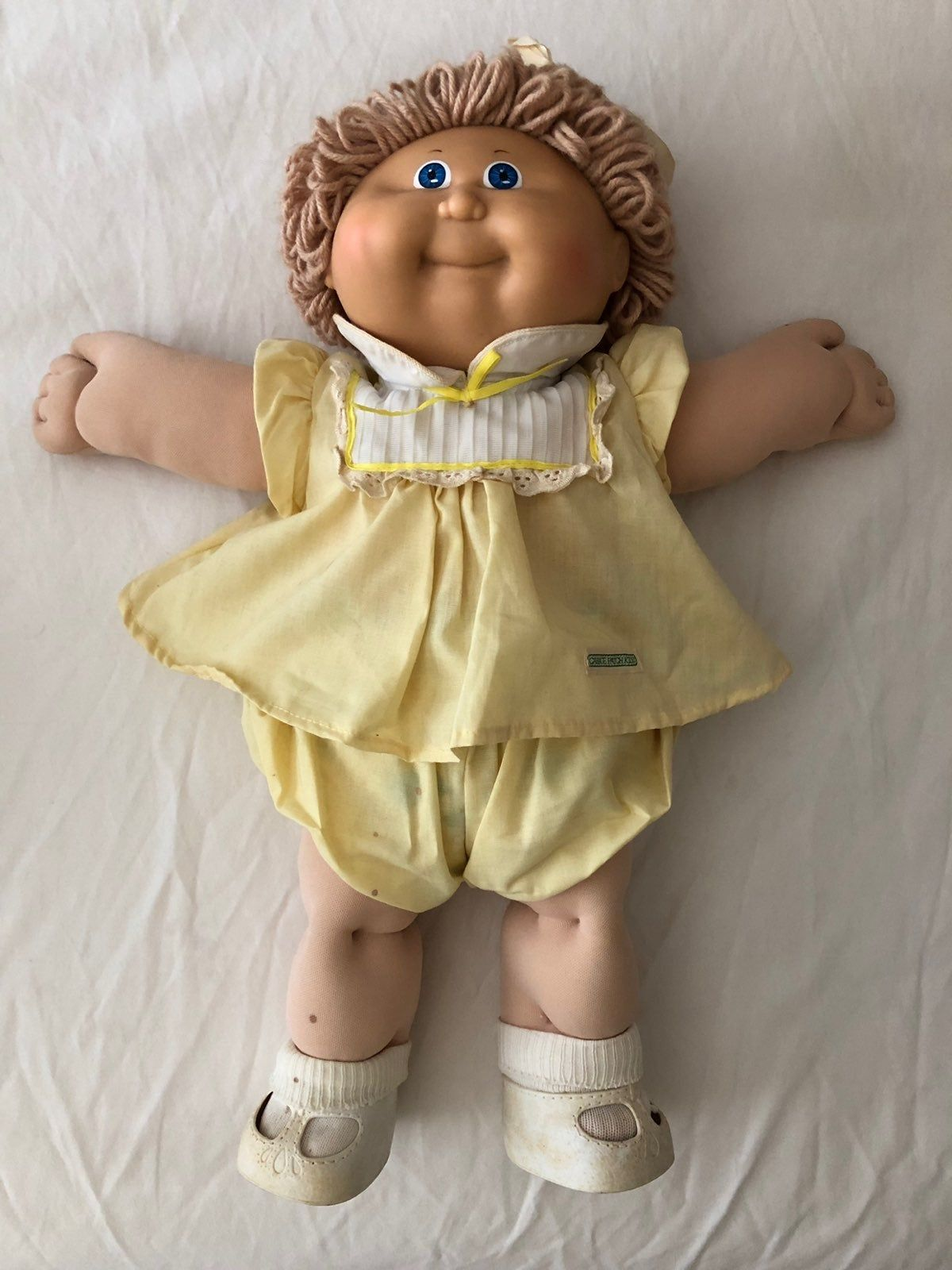 Cabbage Patch Kid 1978 82 But Signature Says 85 A Few Stains On Her Also She Has He Cabbage Patch Kids Clothes Cabbage Patch Kids Dolls Cabbage Patch Kids