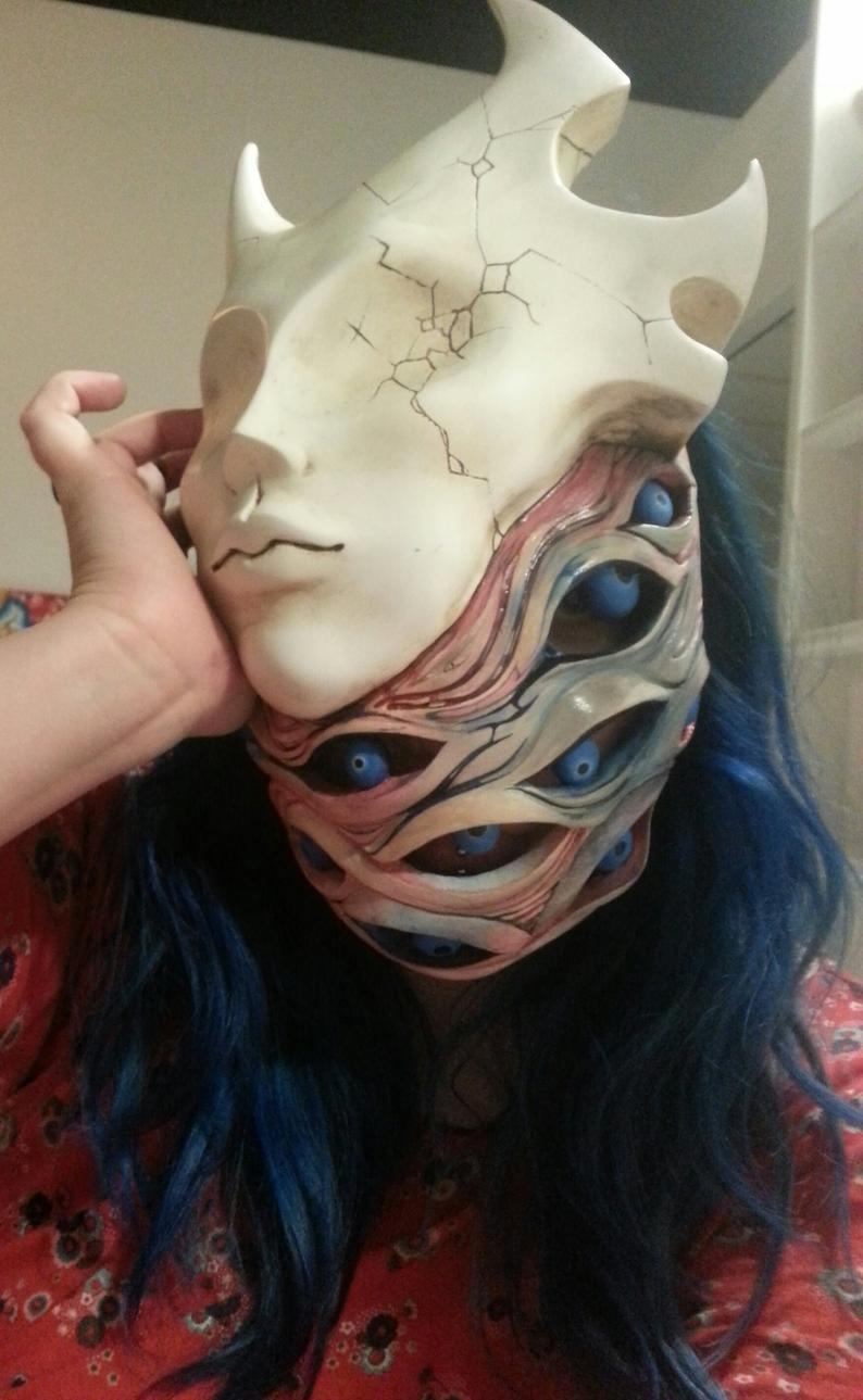 Demon Mask Halloween Mask Etsy In 2020 Masken Kunst Maskenentwurf Coole Masken