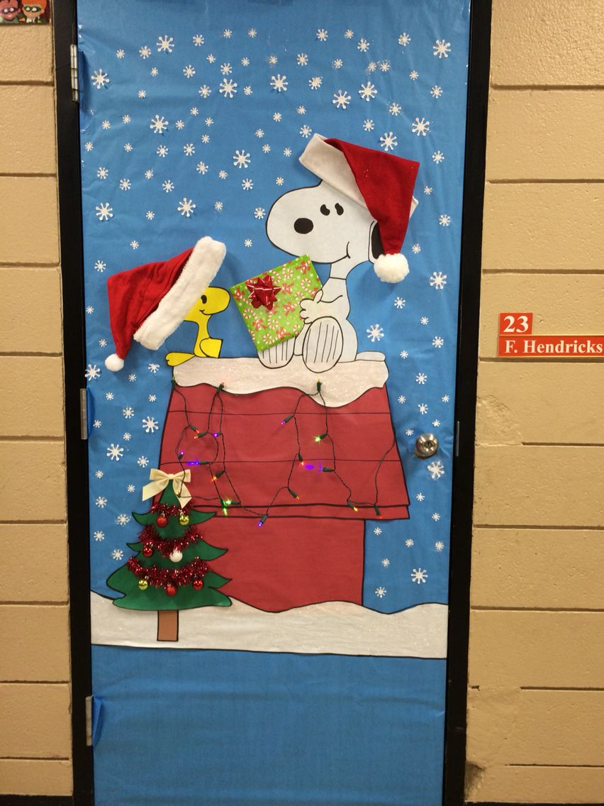 my christmas door decoration snoopy charliebrown