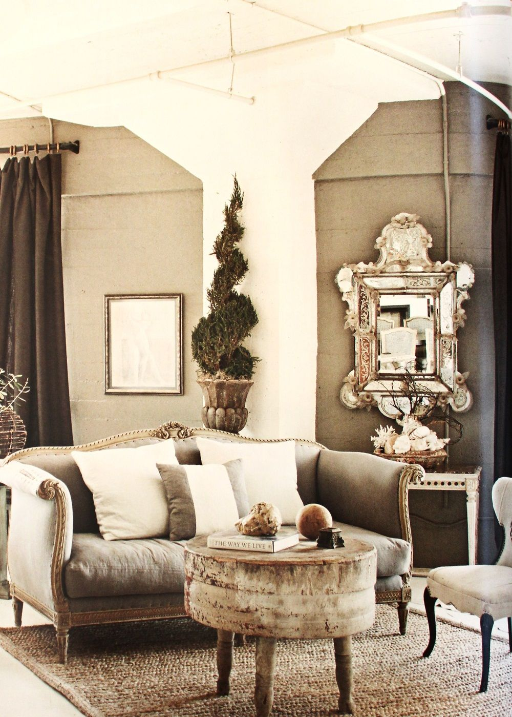 Country French Sofas Living Room Furniture: MichelleNiday Interiors, Published Fall/Winter 2012
