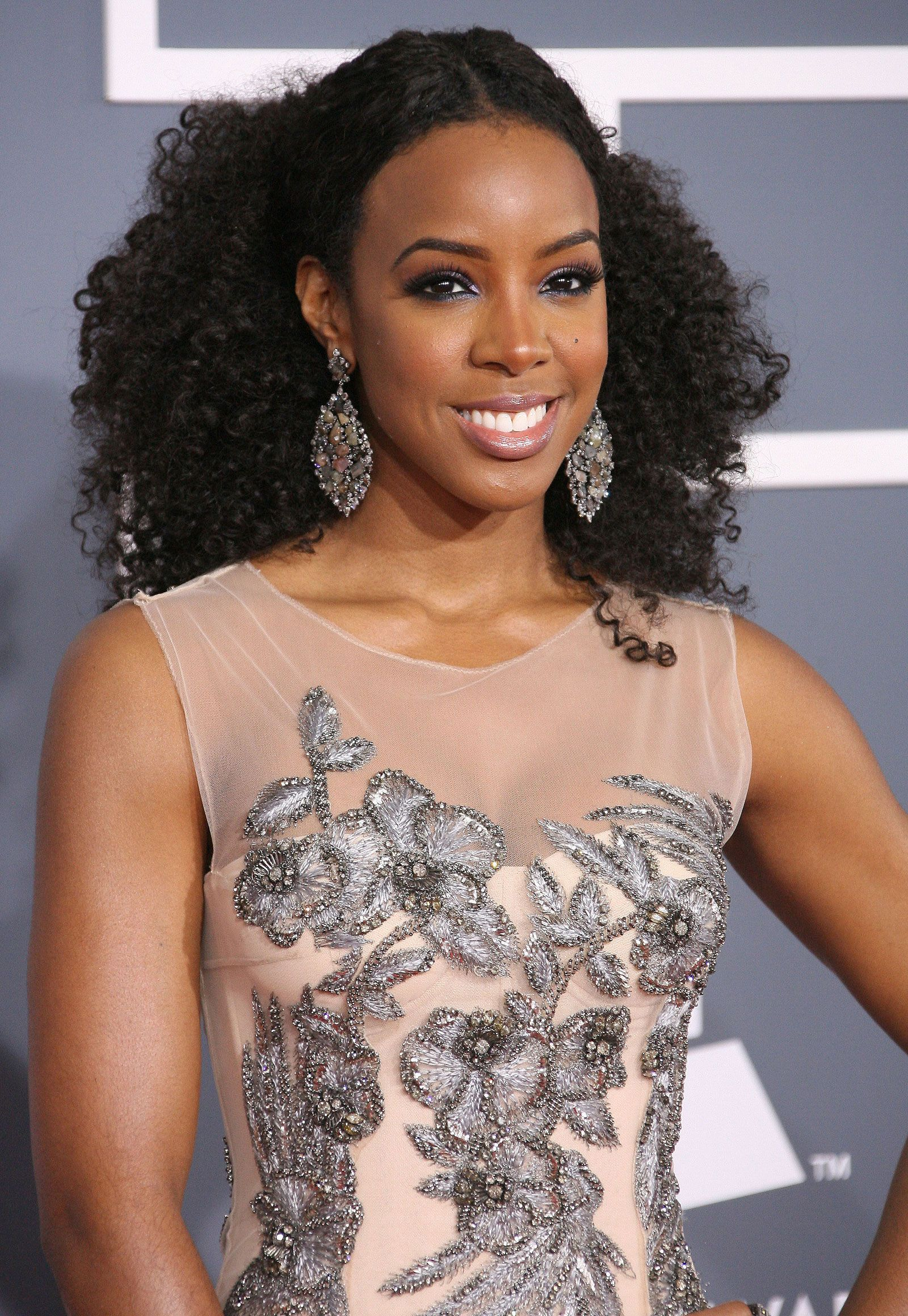 Kelly Rowland is very beautiful in the inside and outside