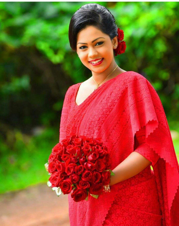 Pin by Yashodara Rathnathilaka on 2nd day Brides Bridal