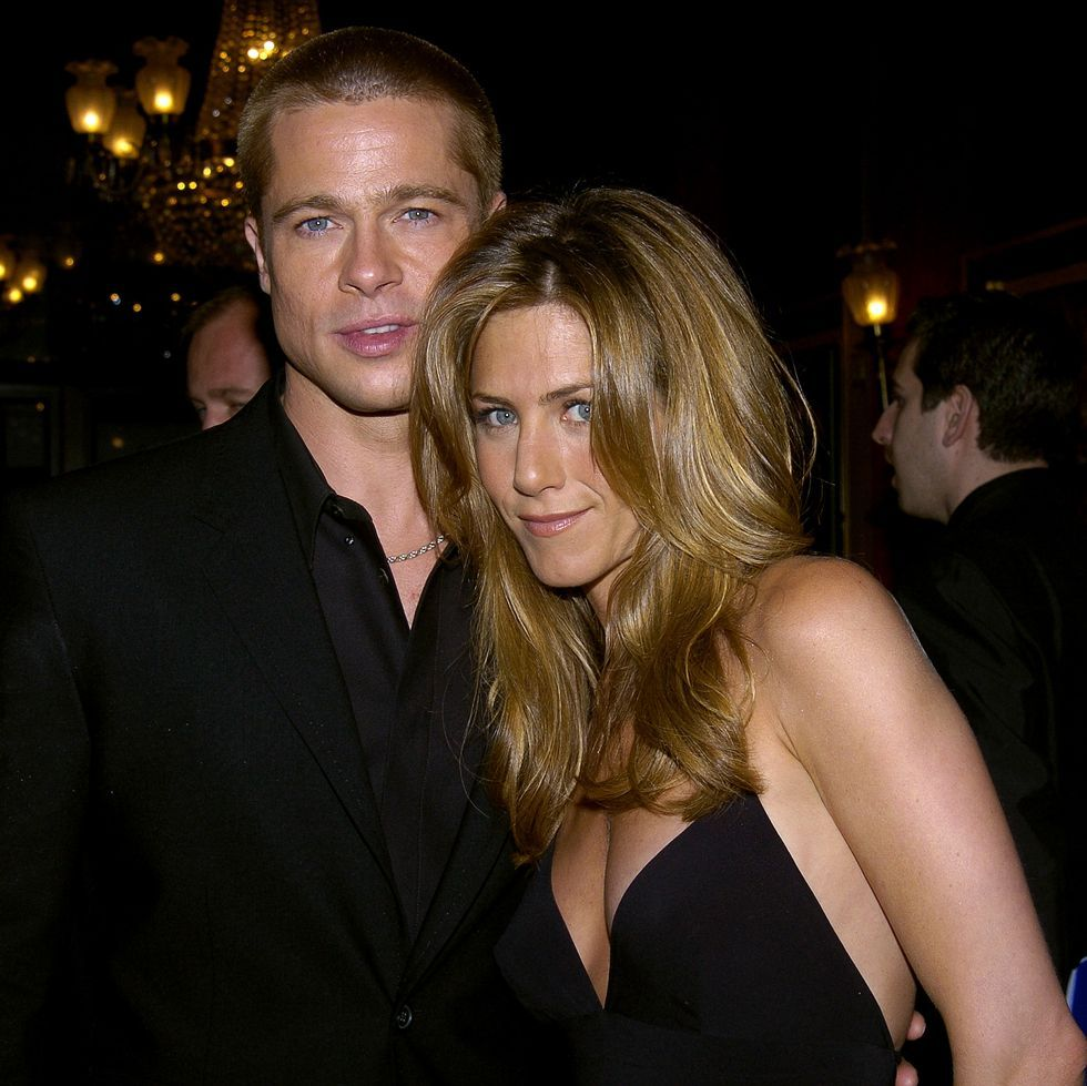 Jennifer Aniston And Brad Pitt Have Agreed To Bury The Past Over Angelina Jolie Cheating Scandal Jennifer Aniston Brad Pitt Woman Meme