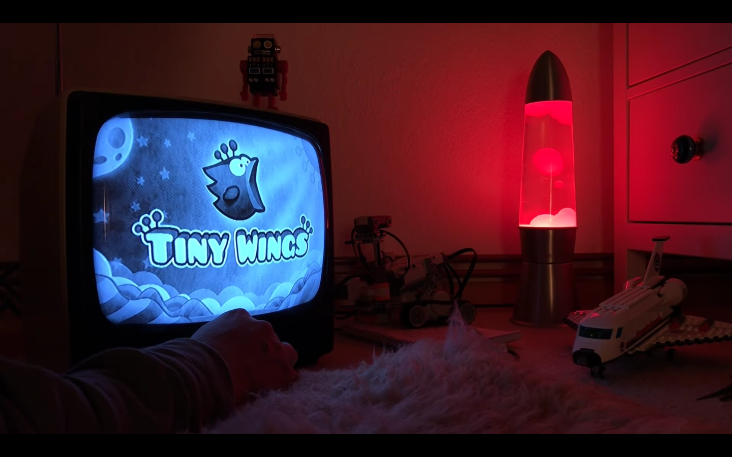 iPhone classic 'Tiny Wings' gets new levels and Apple TV app