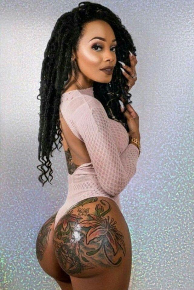 Sexy tattoo on black girl ass