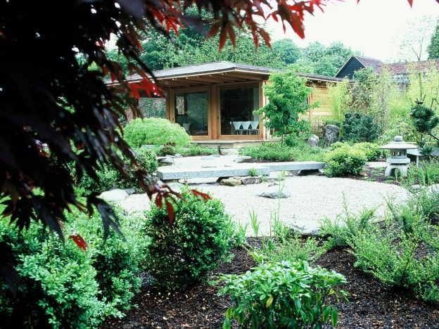 Japanese garden designed by Debbie Roberts MSGD & Ian ...