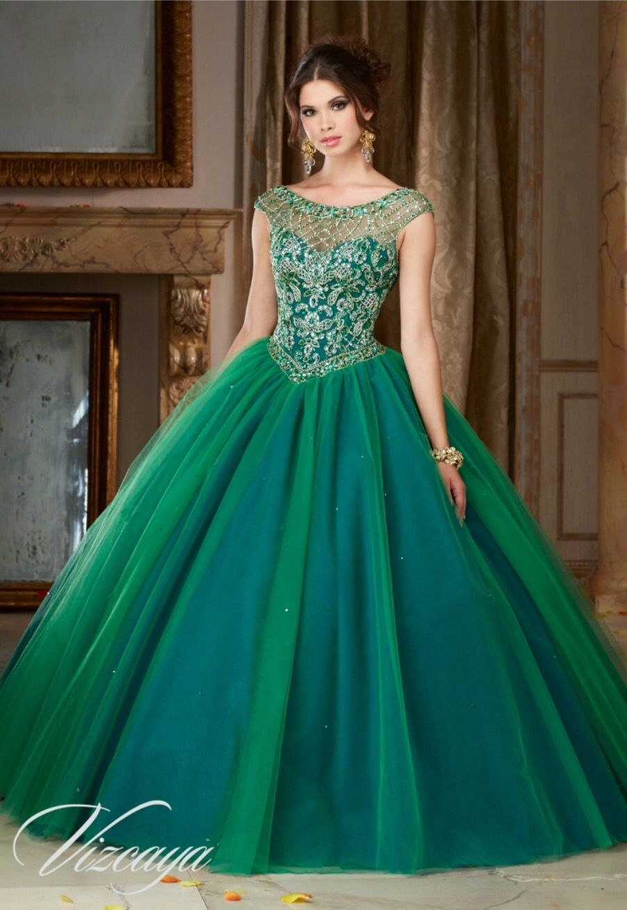 Verde esmeralda efecto tornasol en la falda. XV Años. | Robe ...