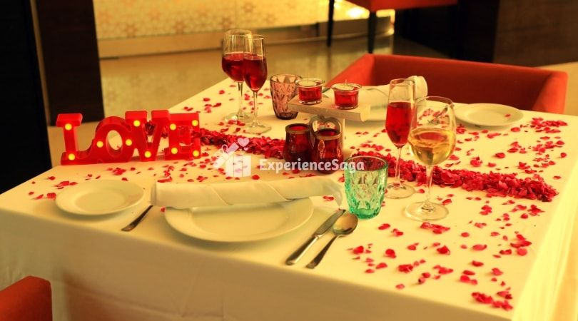 Indoor Candlelight Dinner At Hyatt Place Udyog Vihar Gurgaon Luxury Candlelight Dinner In Delhi 5 Candle Light Dinner Dinner Near Me Romantic Restaurant