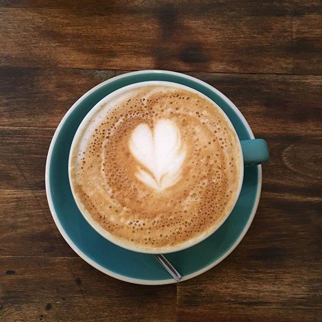 @kuroespressobar  #cappuccino #addict #cafe #coffee #coffeetime #coffeelover #coffeeaddict #barista #coffeeart #heart #coeur #coffeeporn #instacoffee #fall #friday #weekend #love #picoftheday #photooftheday #instamood #igers #igersfrance #bordeauxmaville #bordeaux #france