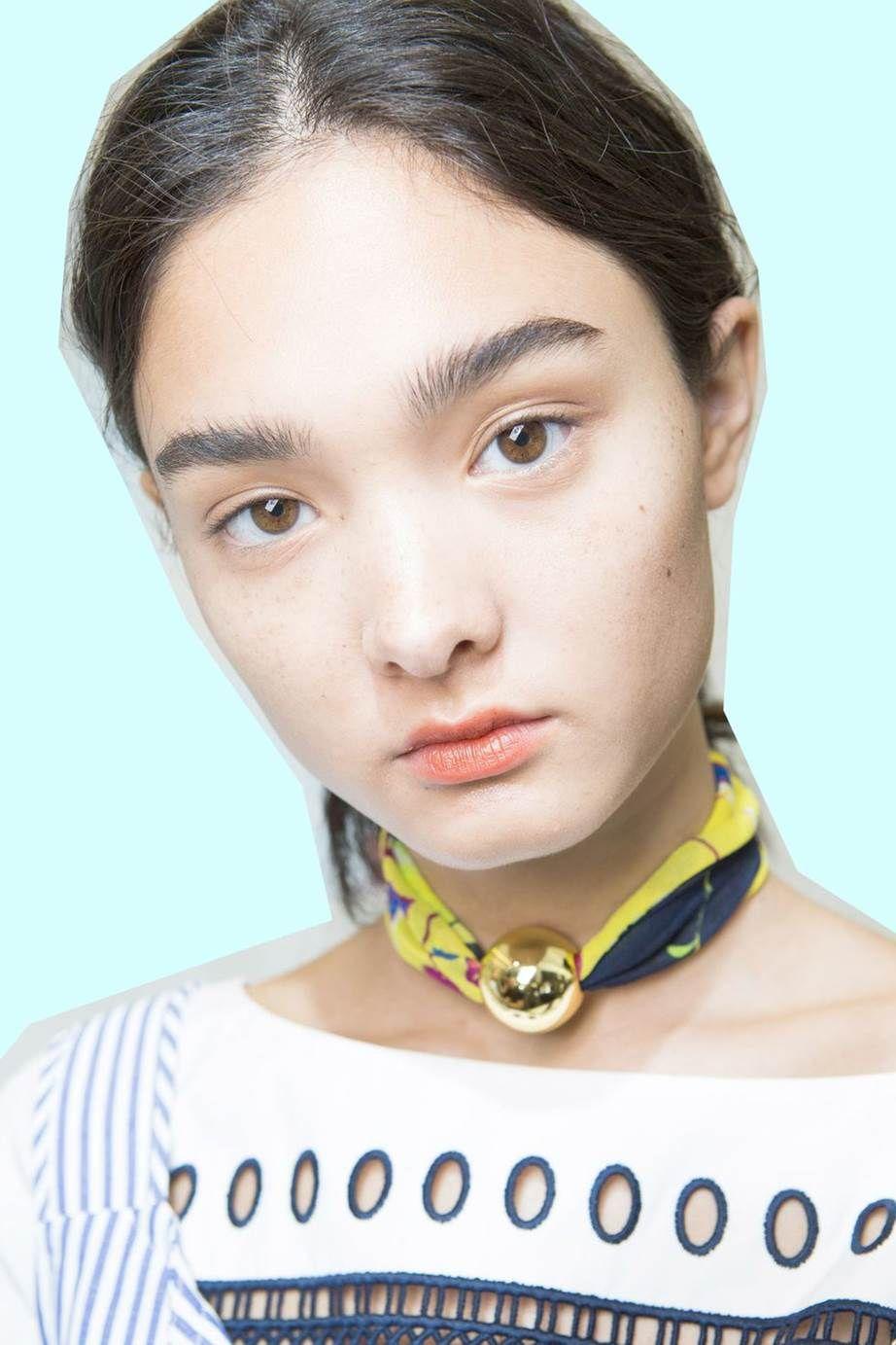 Makeup hacks for natural looking foundation, blush & lips