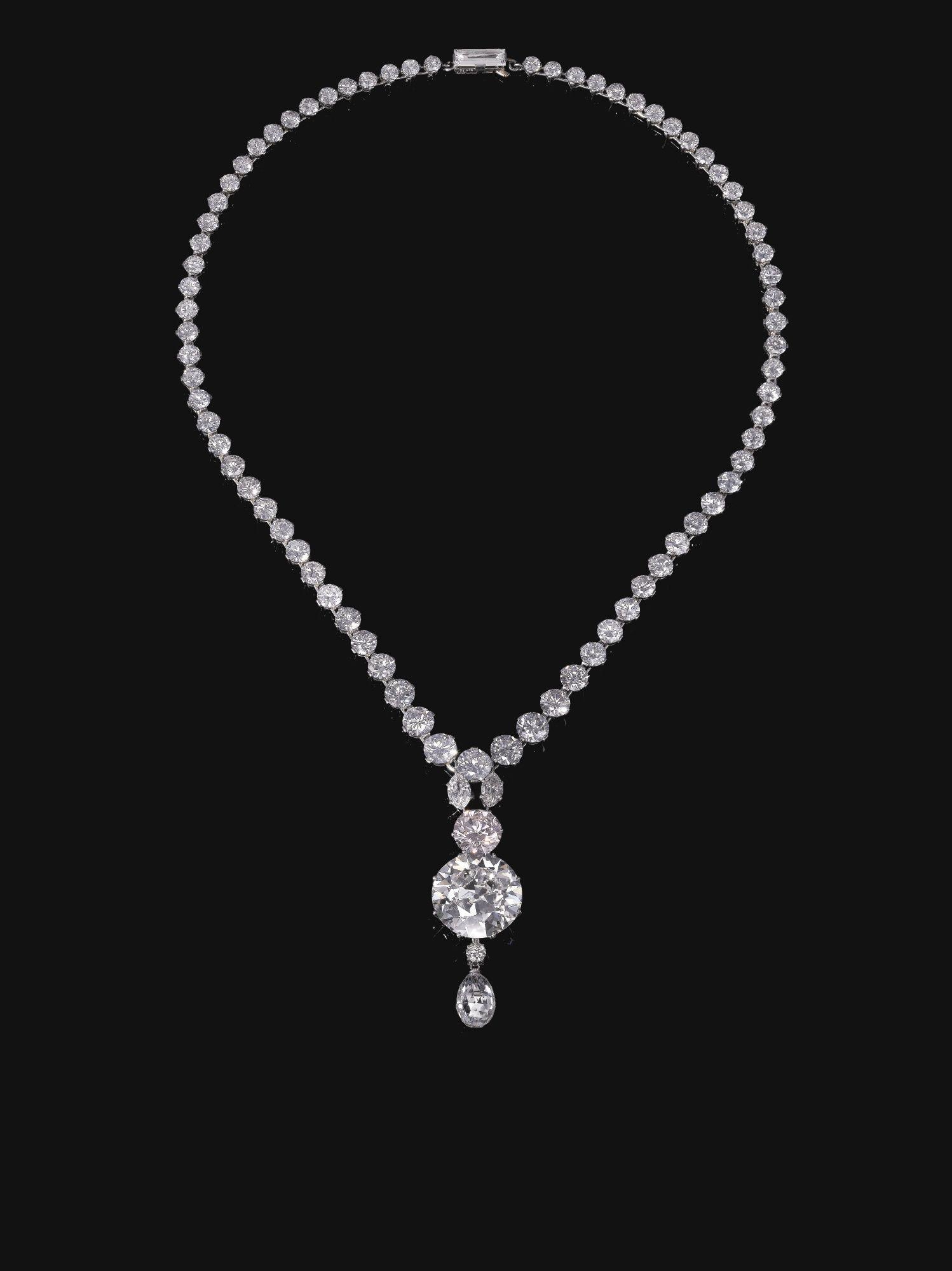 Light pink diamond necklace