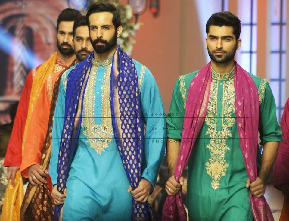 Mehndi Wedding Dance : New bollywood mehndi dance by two sisters indian wedding