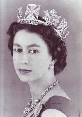 Queen Elizabeth wearing the King George IV State Diadem  (my Nanny always had a framed picture of the queen in her home)