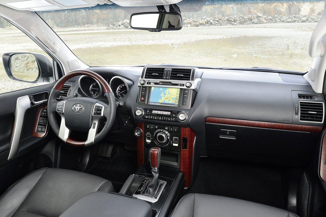 2014 toyota land cruiser interior