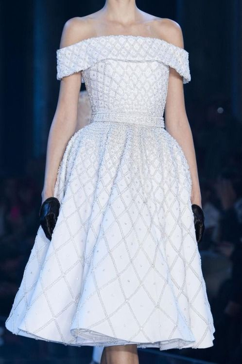 mulberry-cookies:   Ralph & Russo Fall 2014 Haute Couture (Details)