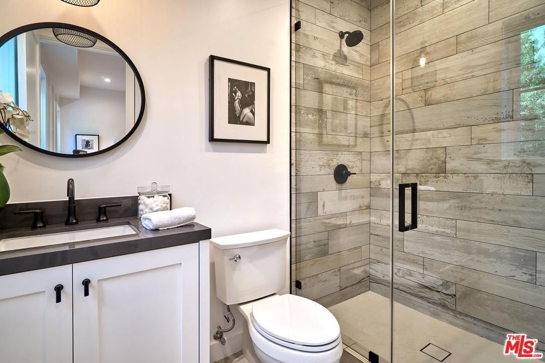 1461 S Castello Ave Los Angeles Ca 90035 5 Beds 5 5 Baths Round Mirror Bathroom Bathroom Bathroom Mirror
