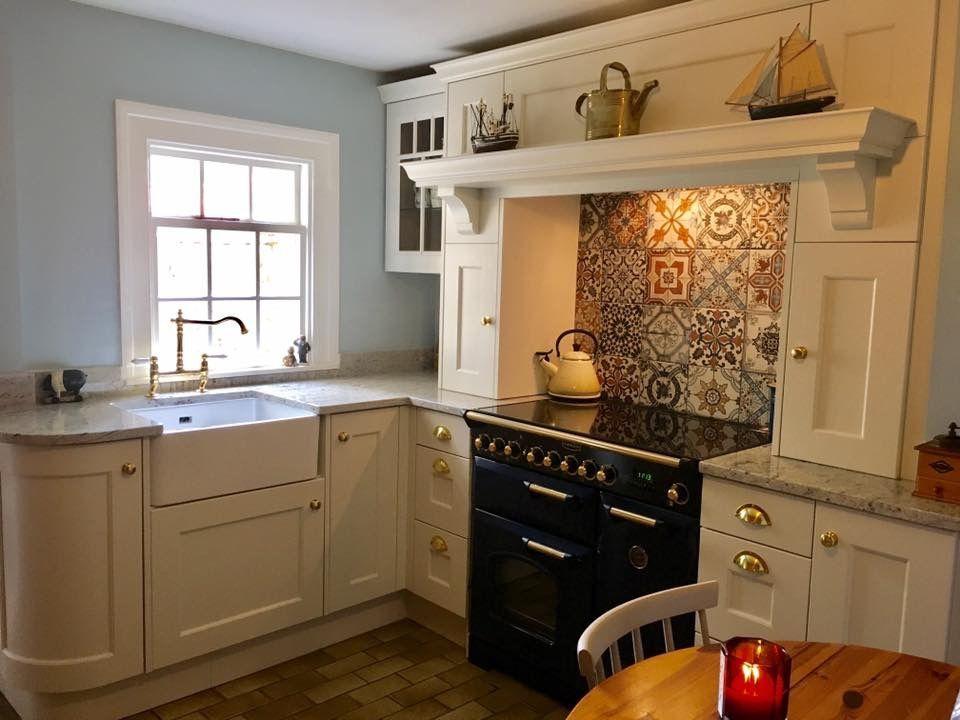 Pin by Elizabeth Hardin on Kitchens!   Kitchen decor ...