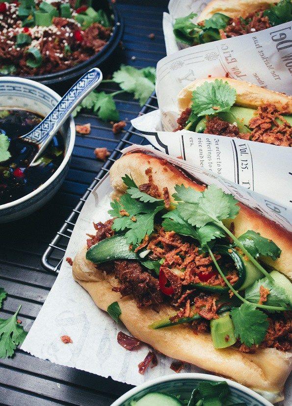 nyhtökaurahodarit: Vegan pulled oats hotdogs (in Finnish)