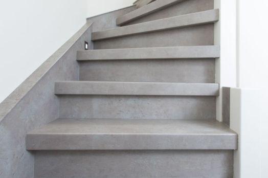 Betonnen trap betonlook betonverf trap interieur home