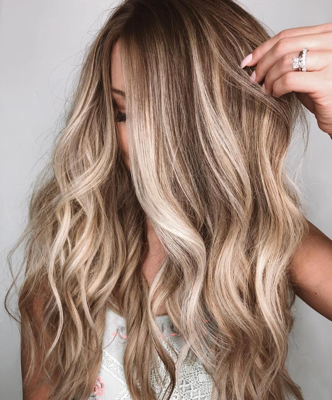 Dirty blonde balayage with curls #blondehair