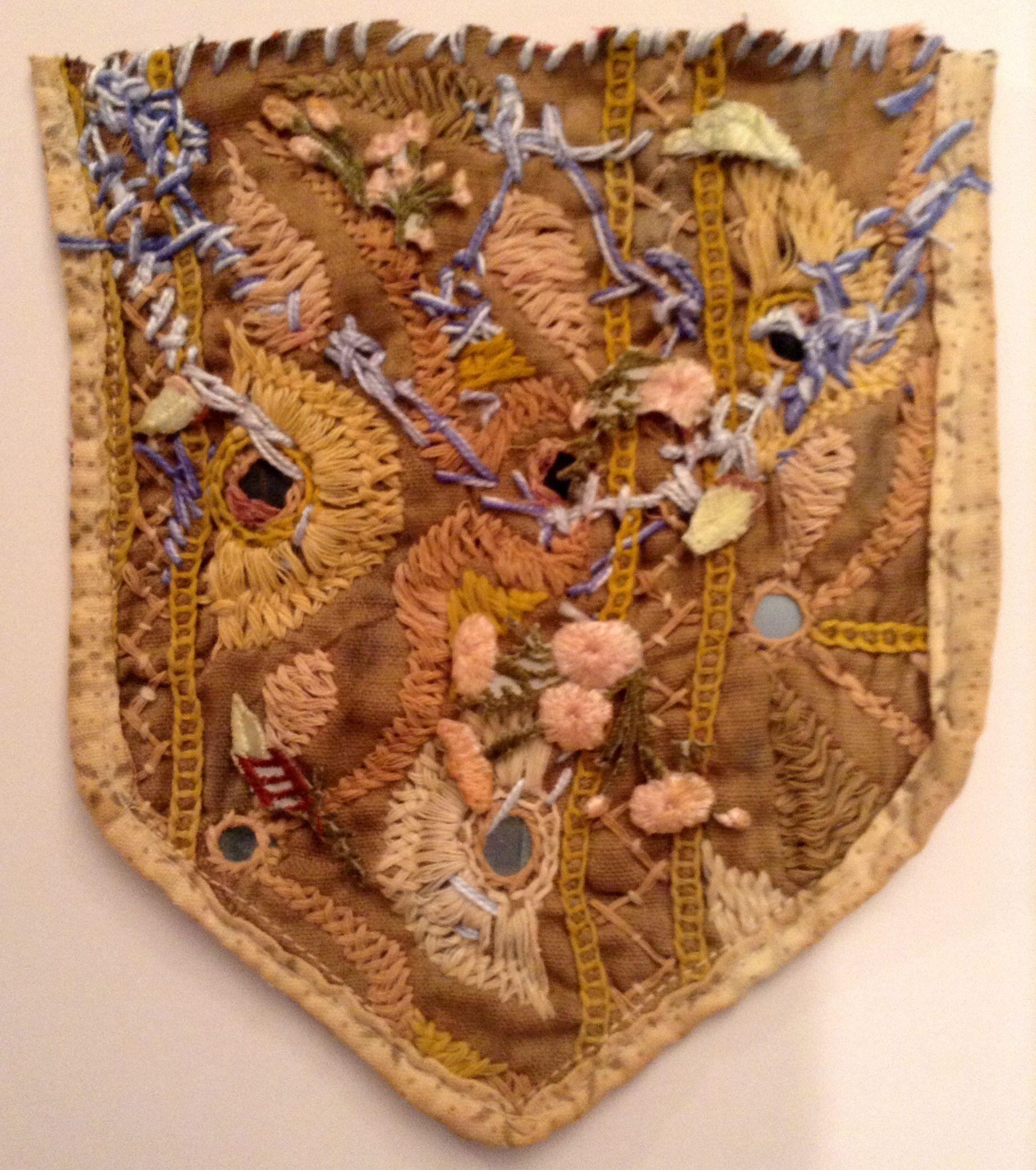 ♒ Enchanting Embroidery ♒ embroidered fragment - Marina Godoy