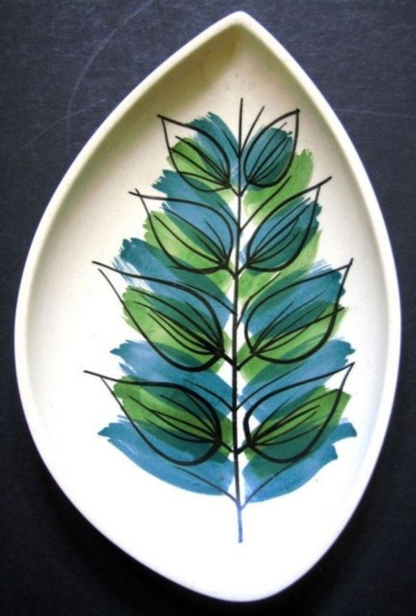 30 Amazing Pottery Painting Ideas To Try This Season - Free Jupiter #paintedpottery