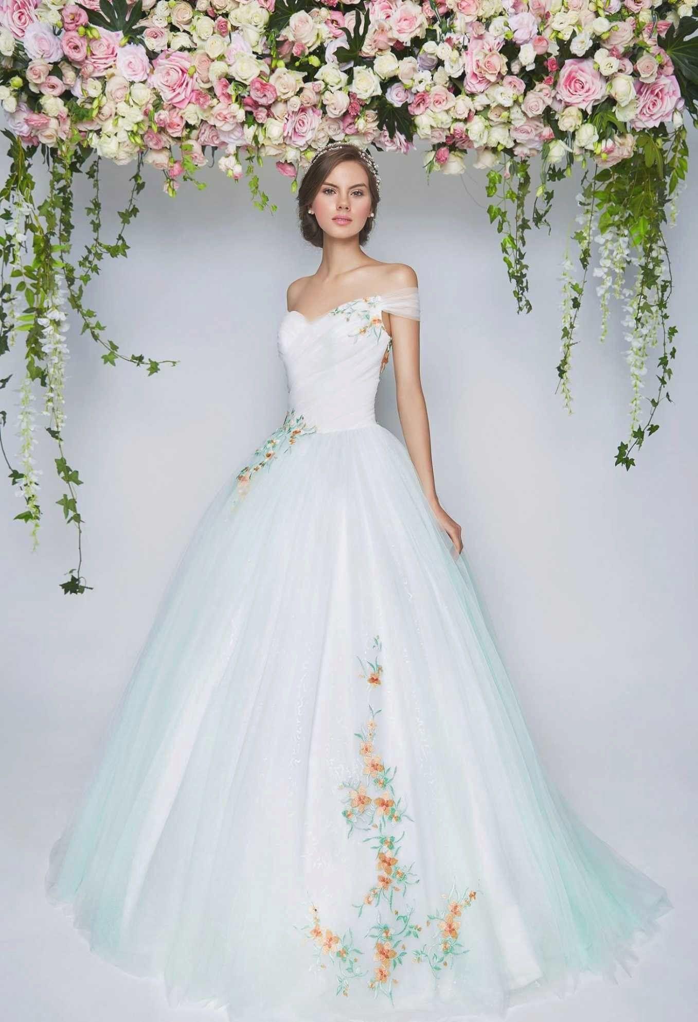 Bohemian Wedding Dress Los Angeles In 2020 Rental Wedding Dresses Wedding Dresses Los Angeles Amazing Wedding Dress