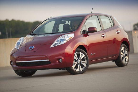 La Nissan Leaf Atteint 1000 Unités Au Canada Nissan Leaf 2015 Nissan Leaf Chevy Volt