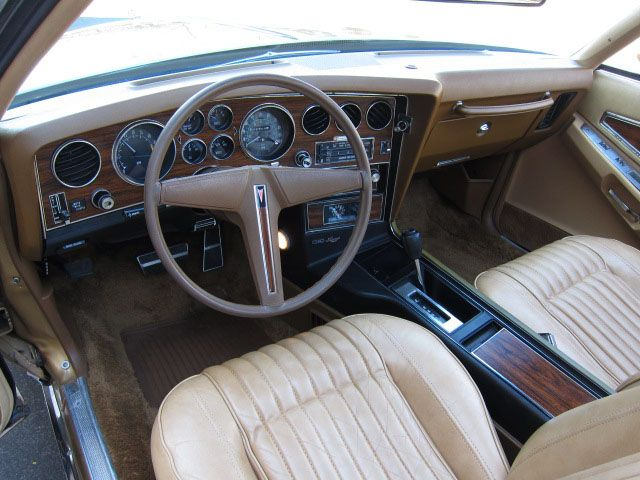 interior and dash 1976 pontiac grand prix i had this car get me there pinterest. Black Bedroom Furniture Sets. Home Design Ideas