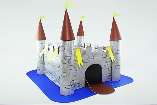 Resultado de imagen de manualidad castillo tubos papel higienico
