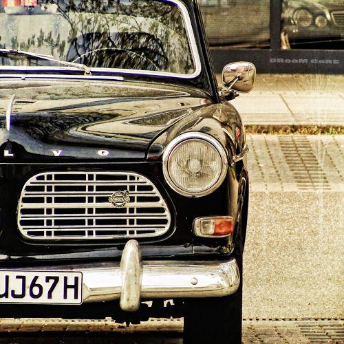 I love old Volvos