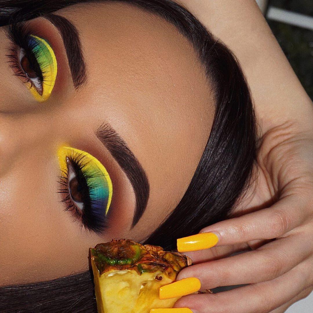 "Photo of Nasia Belli on Instagram: ""Pɪɴᴇᴀᴘᴘʟᴇ🍍🍍🍍 Inspired by @jamescharles  Products: @morphebrushes James Charles eyeshadow palette  @nyxcosmetics_greece @nyxcosmetics vivid…"""