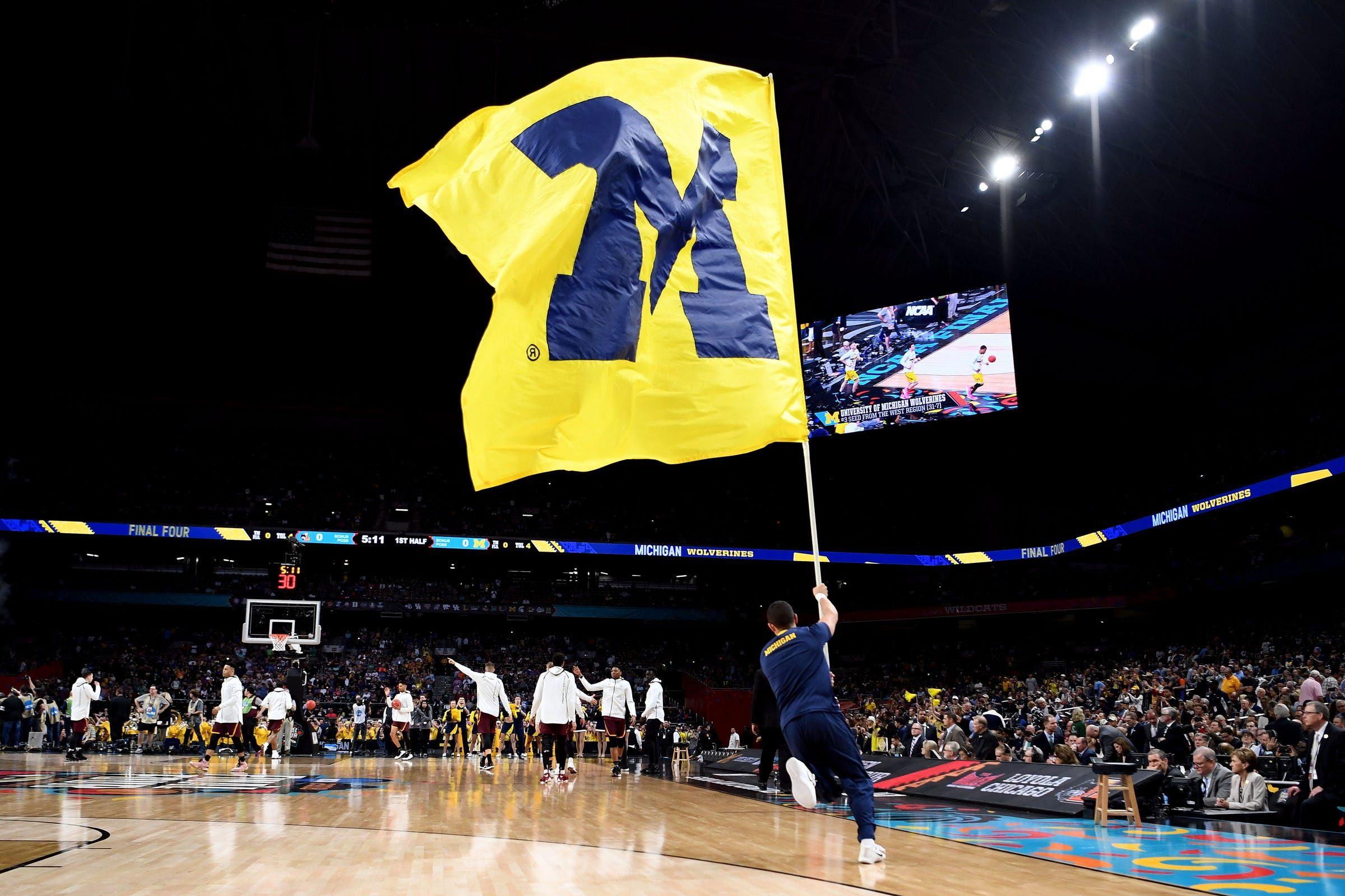 Michigan basketball offers no 1 instate player kobe