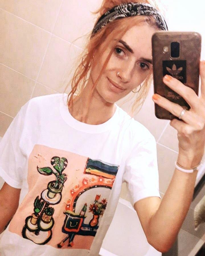The gorgeous @tessa_jayy reppin' my plant tee. Some sizes still available. DM for info. 👌💚✌🌱🖌💛😻🍀 ernireland