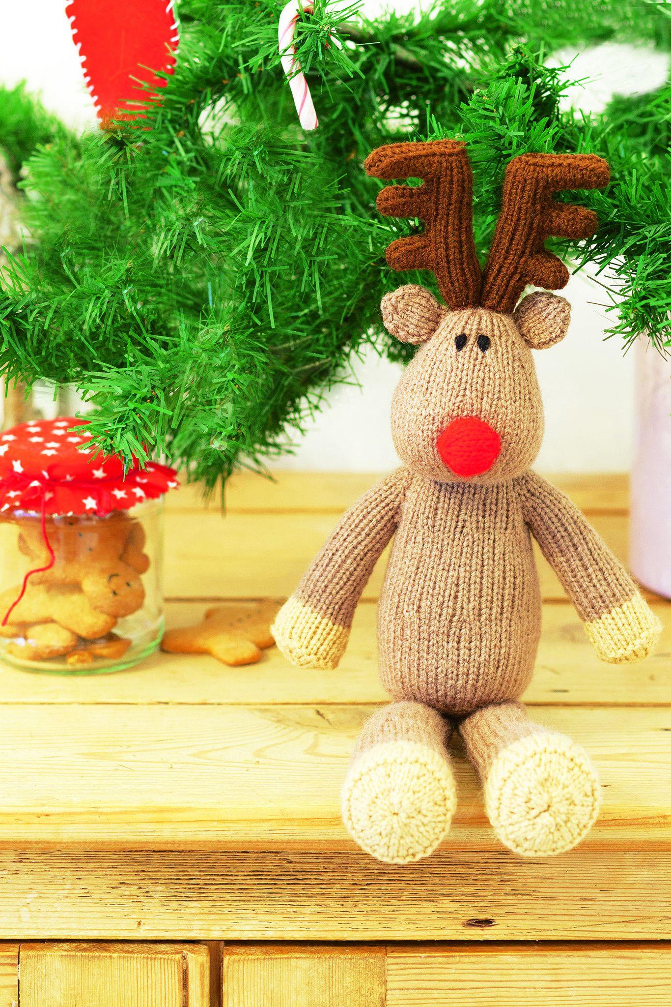 Christmas Reindeer Toy Knitting Pattern | Knitted christmas decorations, Christmas knitting ...