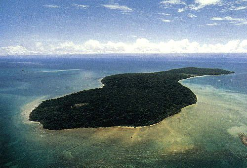 Hasil gambar untuk Sebuah Pulau Di Indonesia